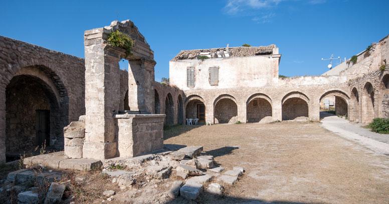 Santuario santa Maria a Mare, Isola di San Nicola, Tremiti