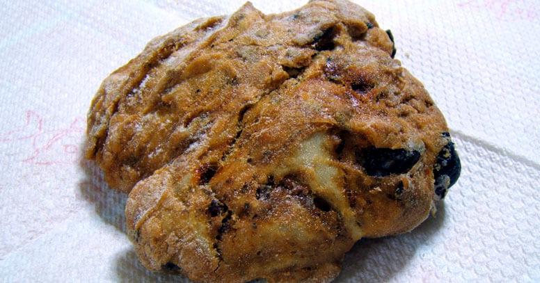 Puccia leccese, pane con le olive nere