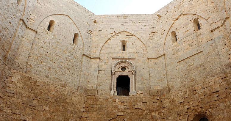 Lato interno Castel del Monte