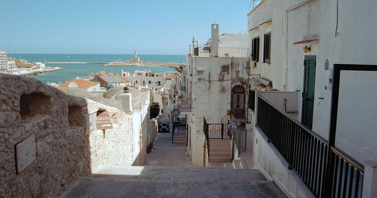 Centro storico di Vieste con vista mare