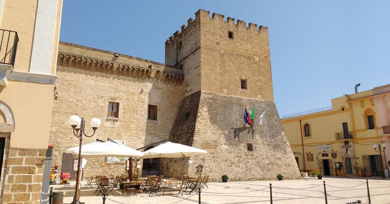 Castello De Falconibus a Pulsano