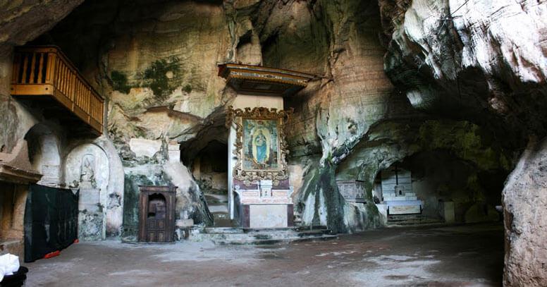 Grotta di San Michele Arcangelo, Monte Sant'Angelo - grotte in puglia