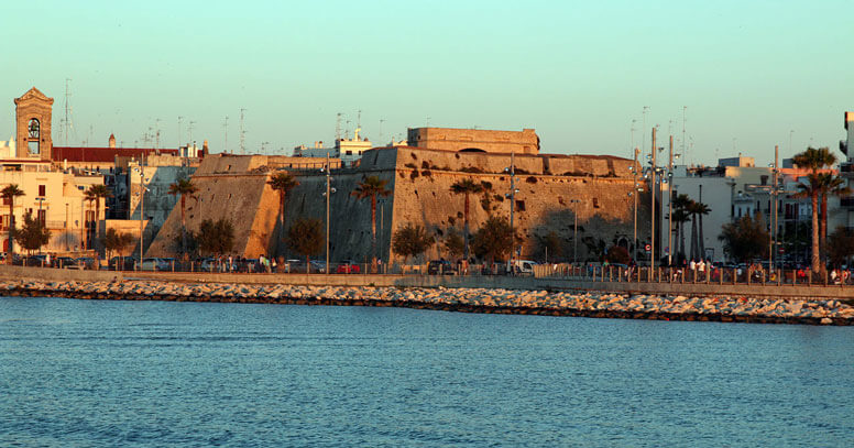 castello mola di bari